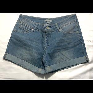 New York & Company Jean Shorts Sz 4